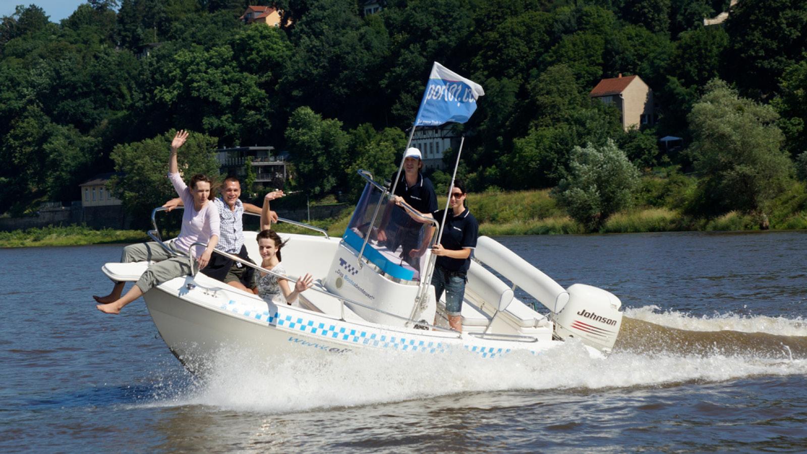 Speedboot Tour in Dresden - Blaues Wunder - Erlebnisfabrik
