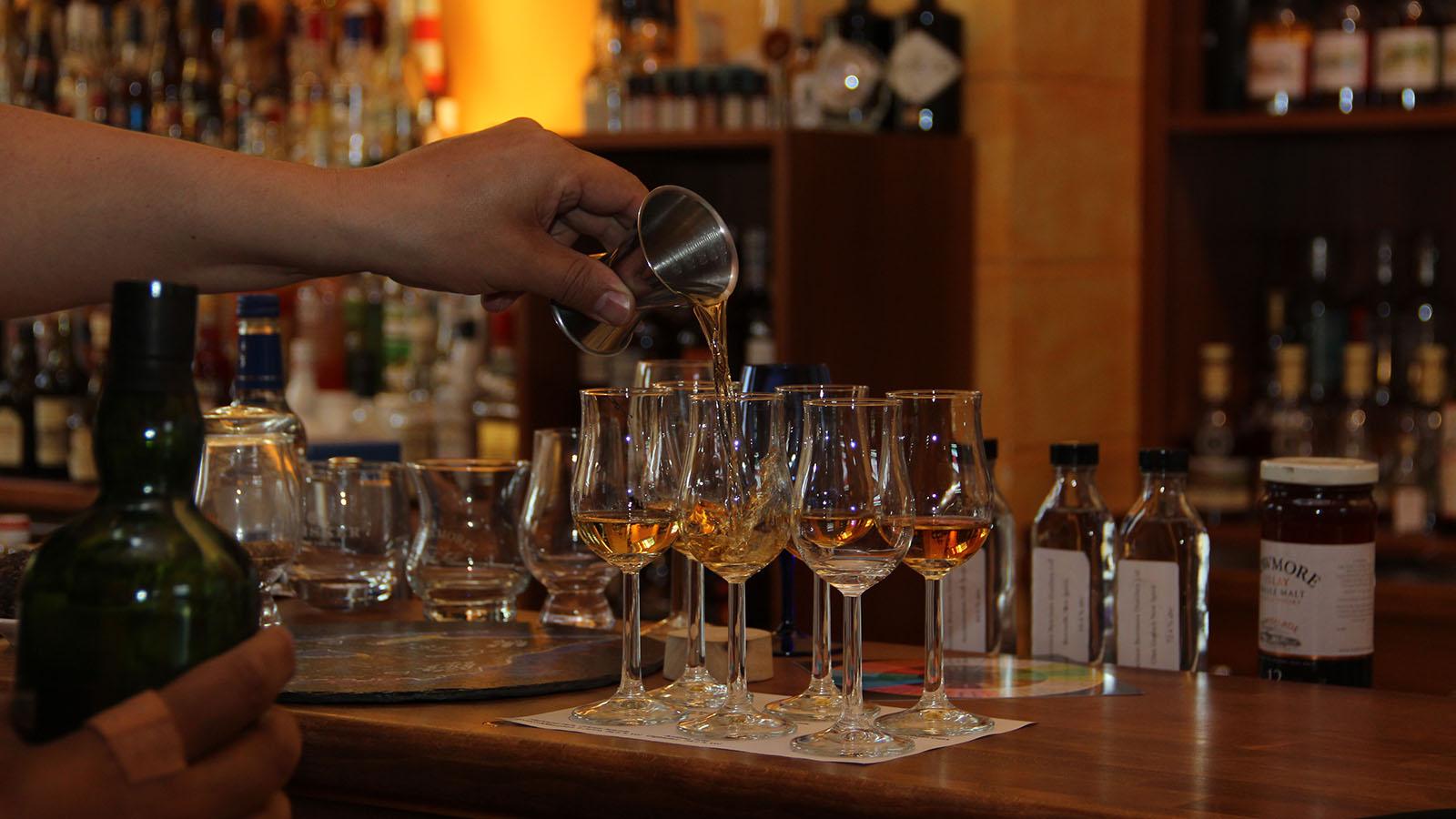 How to do Whisky Tasting - The Whisky Girl