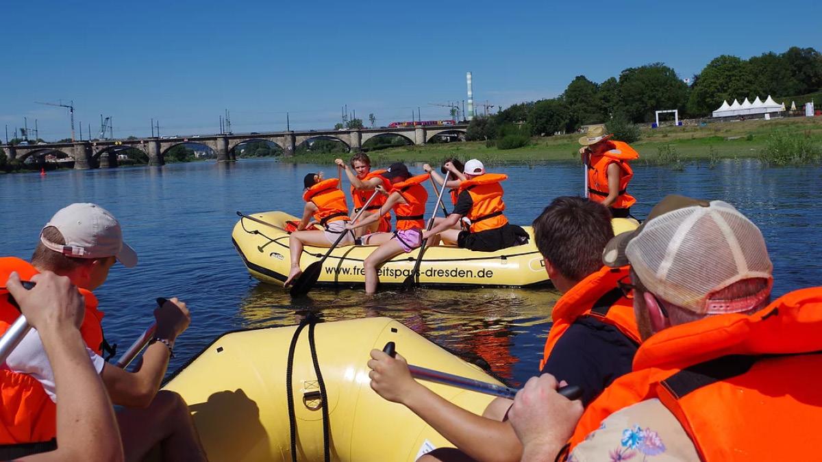 Schlauchboot Tagestour Dresden bis Radebeul - Erlebnisfabrik